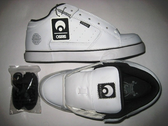 OSIRIS Scot Mid (white/black)