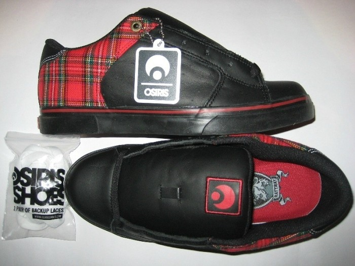 OSIRIS Scot (plaid/black/red)