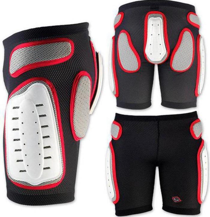 Защитные шорты UFO Padded Plastic Shorts (black/white)